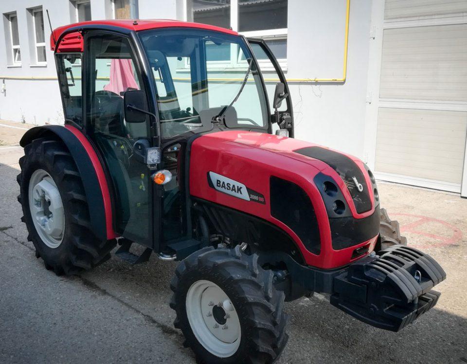 vinohradnicky traktor basak v akcii