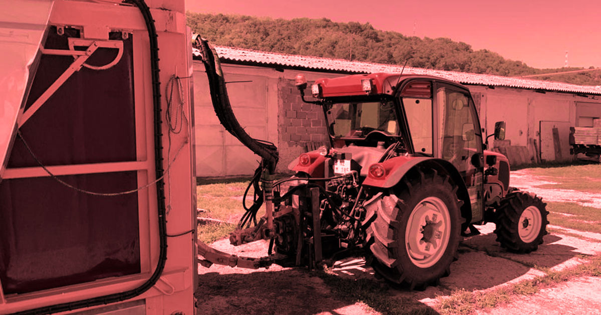 traktor_basak_vinohradnicky_fbcover