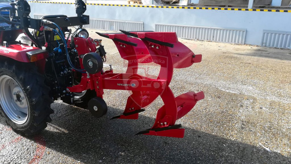 Hydraulicky otocny pluh s malotraktorom CAPTAIN 273